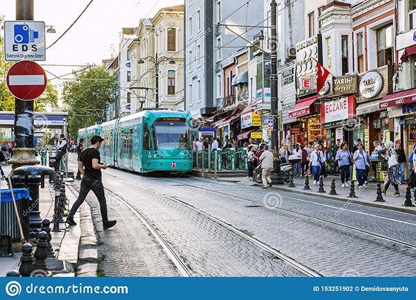 Photo of a busy street in Istanbul