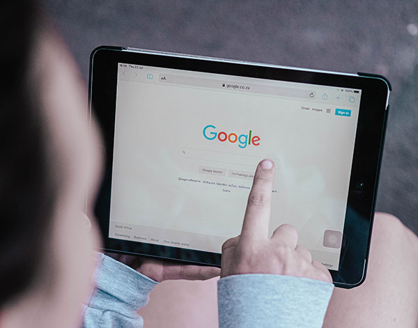 Searching on Google by using iPad
